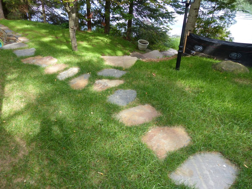 9-quebec-shield-granite-stepping-stones